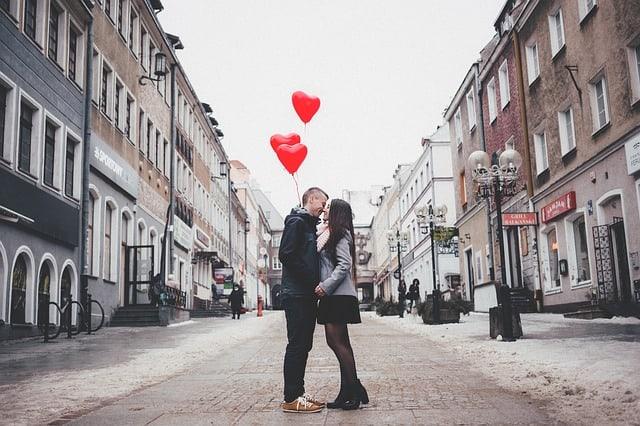 אינטימיות רגשית בזוגיות